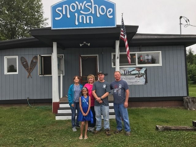 Snowshoe Inn Ribbon Cutting